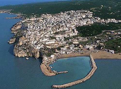 Il Porto e la Città di Peschici